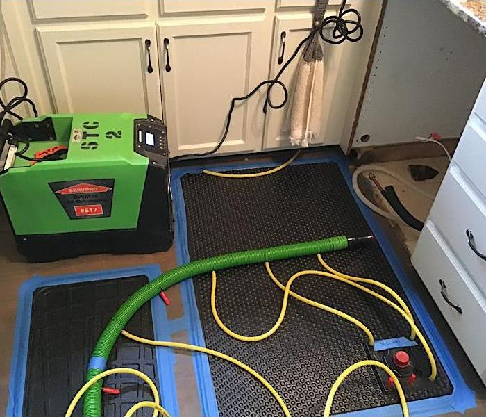 Picture of injector drying - mats sucking water out of the floor.